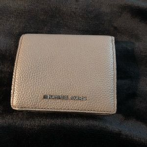 Michael kors wallet!!